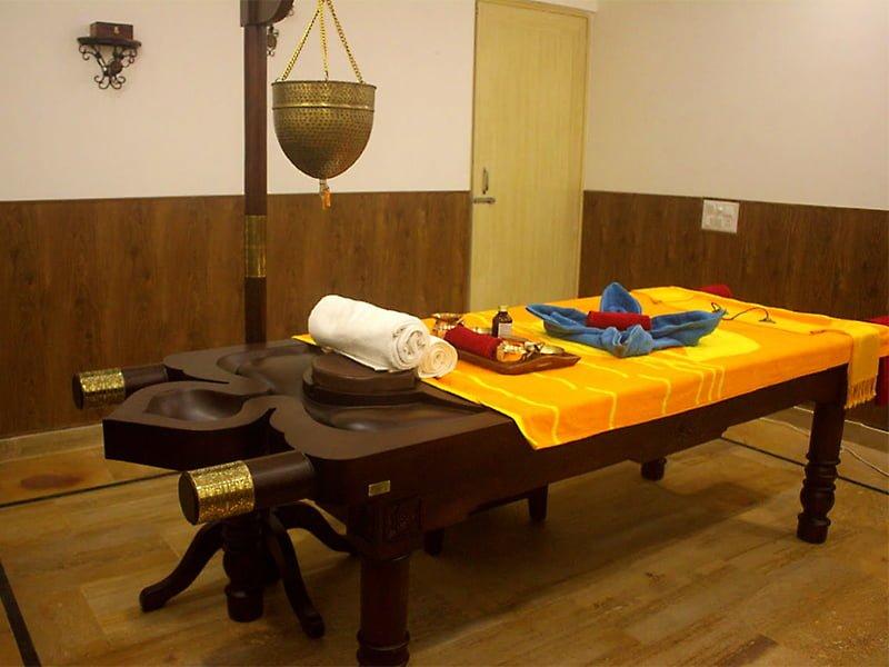 massage-table
